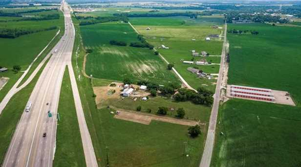 0  Interstate 35 - Photo 1