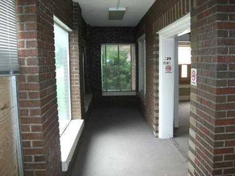 310 W College - Photo 8