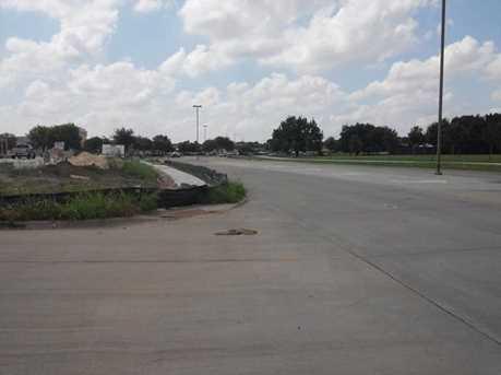 611  Stoneglen Drive - Photo 4