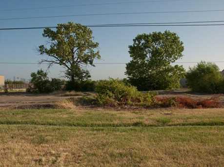 3303  Southern Oaks Boulevard - Photo 6