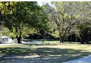 1109 E Lake Drive - Photo 2