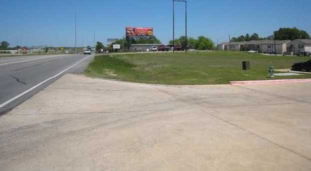6005 Interstate Highway 30 - Photo 2