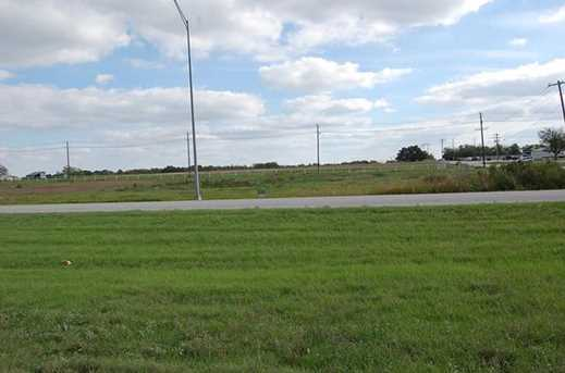 2401 W US Highway 377  W - Photo 2