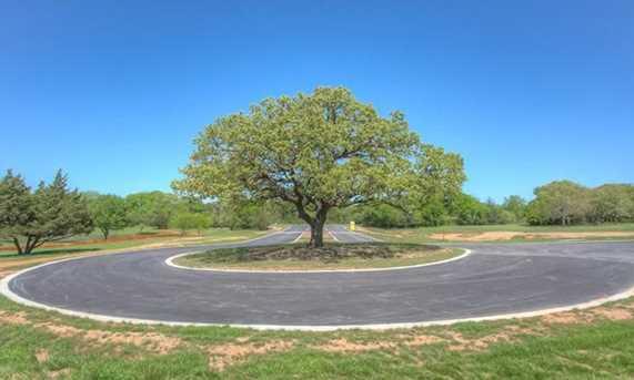 4012  Highland Oaks Lane - Photo 2