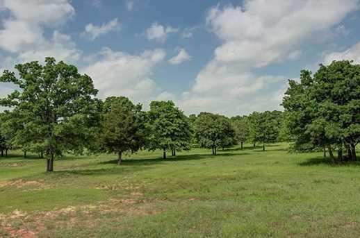 4025  Highland Oaks Lane - Photo 16