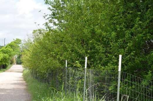 148  Private Road 221 - Photo 2