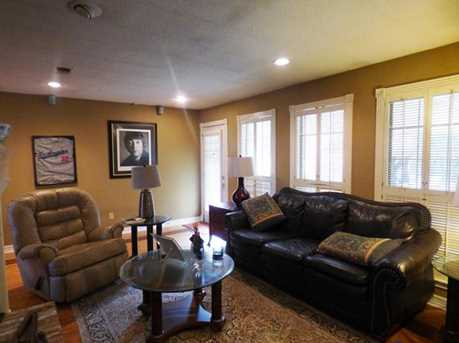 301 Greenhill Park Ave - Photo 6
