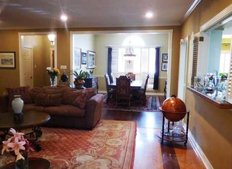 301  Greenhill Park Ave. - Photo 8