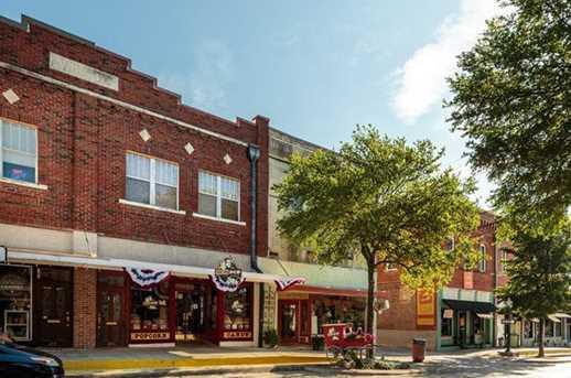 215 E Louisiana Street - Photo 10