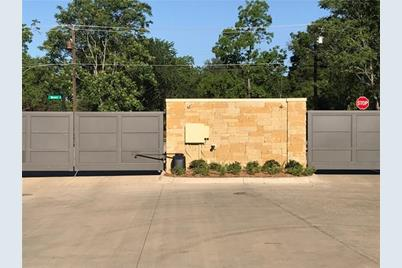 208  Clementine Court - Photo 1