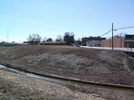 620 N Fisk Avenue - Photo 2