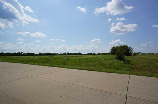 1077  Tawakoni Road - Photo 10