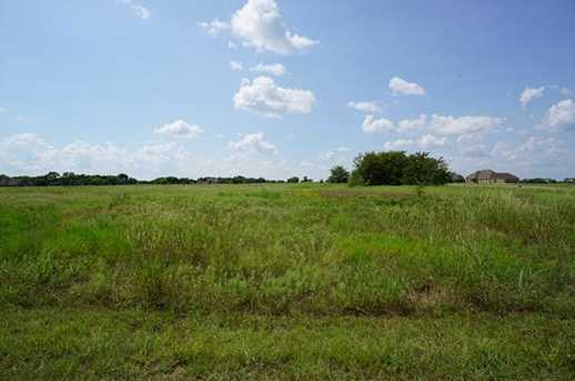 1077  Tawakoni Road - Photo 12