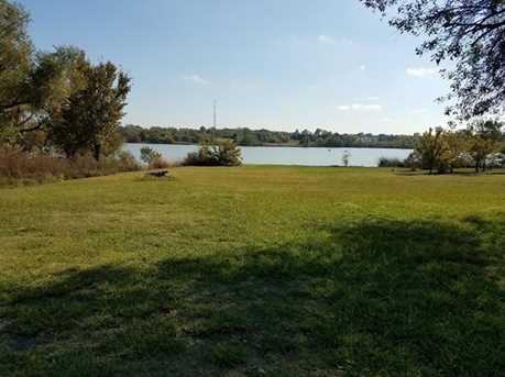 265  Lakeside Drive - Photo 4