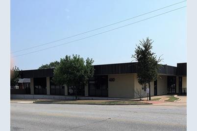 410 W Abram Street - Photo 1