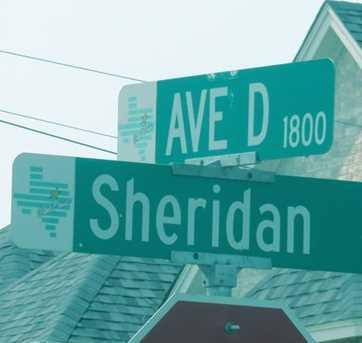 1838 Ave C - Photo 2