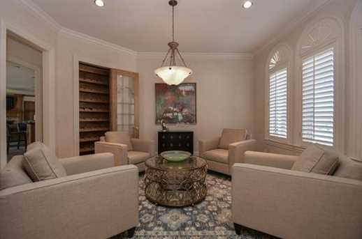 3400  Bluffs Lane - Photo 4