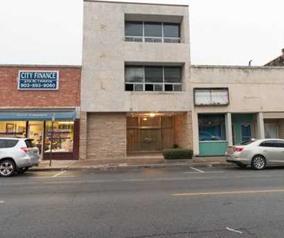 213 N Travis Street - Photo 1