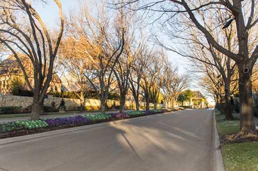 5404  Southern Hills Drive - Photo 2