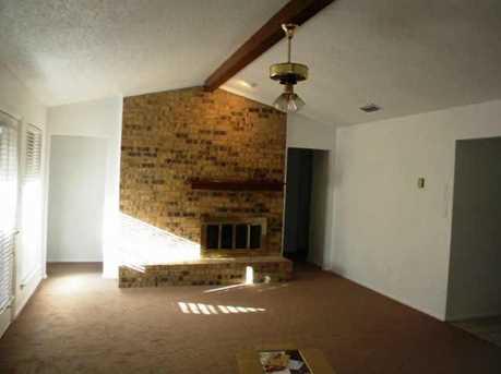 1806  Tucson Drive - Photo 2