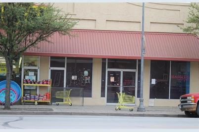 813  Hutchings Avenue - Photo 1