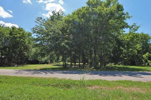 000 Oak Leaf Trail - Photo 2