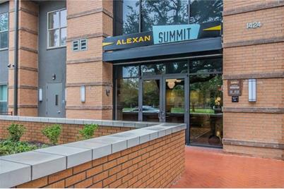 1424  Summit Avenue  #1027 - Photo 1