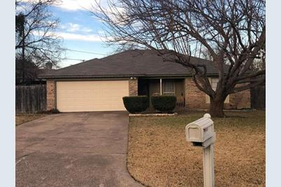 1105  Holly Court - Photo 1