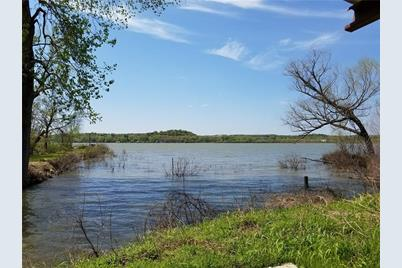 2445 E Lake Drive - Photo 1