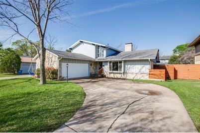 9235  Pinewood Drive - Photo 1