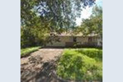 4305  Blackstone Drive - Photo 1