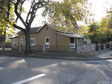462 N Shasta Street - Photo 2