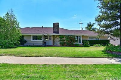 2142 E Redwood Drive - Photo 1