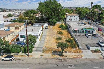 1610 N Soto Street - Photo 1
