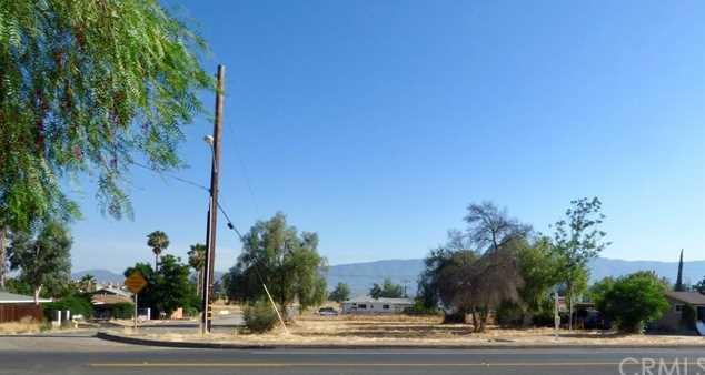 18 Lakeshore Drive - Photo 1