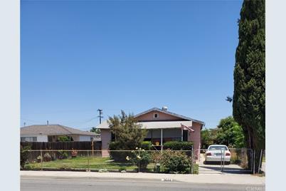 2644 Delta Avenue - Photo 1