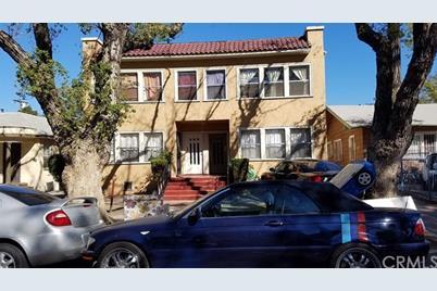 807 W 41st Street - Photo 1