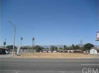 380 W Foothill Boulevard - Photo 1