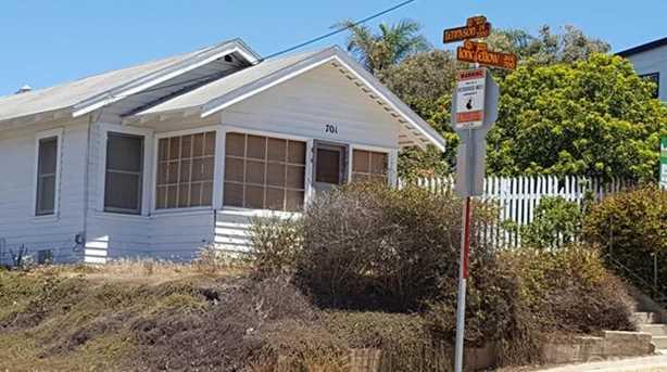 701 Longfellow Avenue - Photo 1