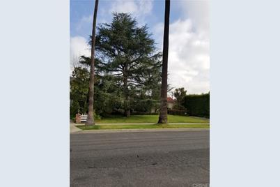 620 N Bedford Drive - Photo 1