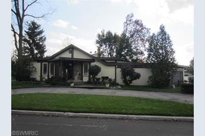 527 Lakeview Avenue - Photo 1