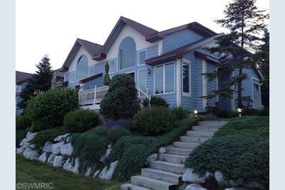 281 Lakeshore Drive - Photo 1