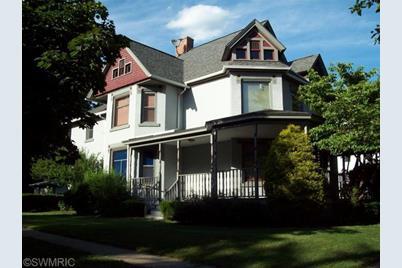 1201 E Michigan Avenue - Photo 1