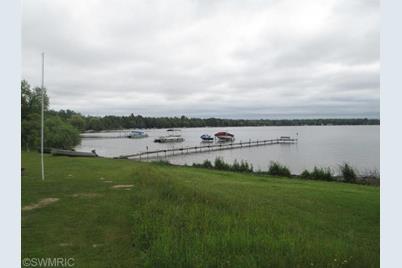 6252 S Lakeshore Drive - Photo 1