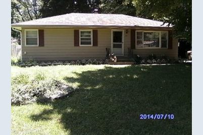 424 Brownway - Photo 1