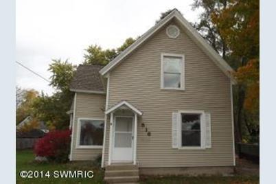 516 S Front Street - Photo 1