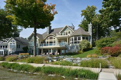 637 Pearl Beach Drive - Photo 1