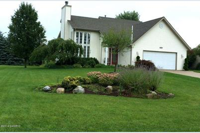 10527 Hunters Creek Drive - Photo 1