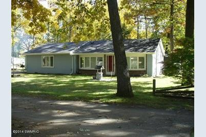 2407 Forest - Photo 1