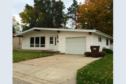 915 Forest Street - Photo 1